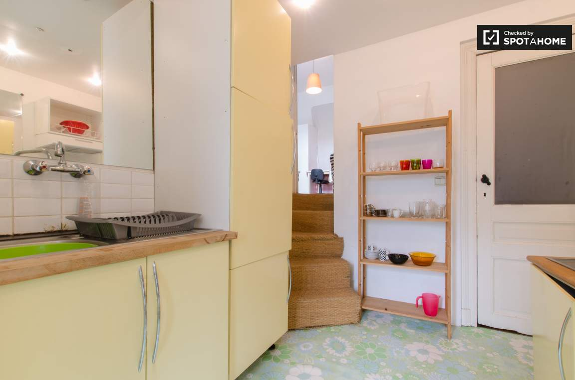 Bedroom 4 kitchen