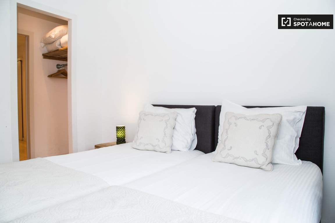 BEDROOM 2 C