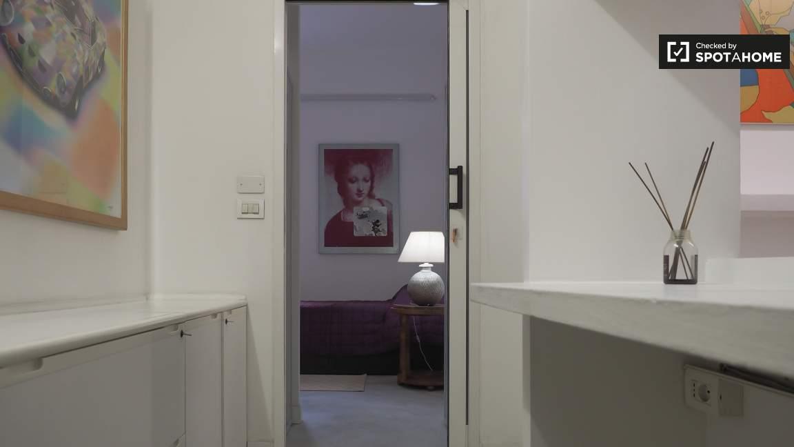 Bedroom 2 - entrance