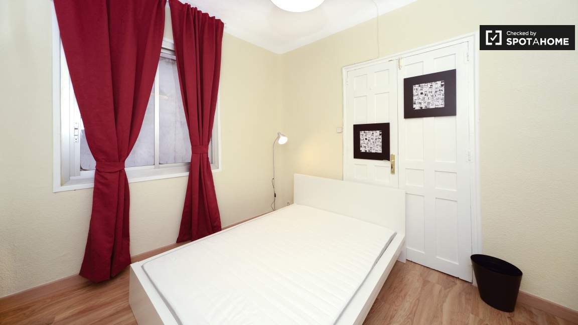 Room 2 Double Bed 80214