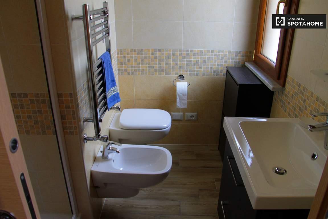 Monosuite bathroom