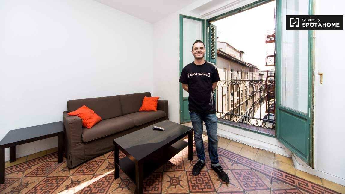 This flat was checked by Javi of the Spotahome team!
