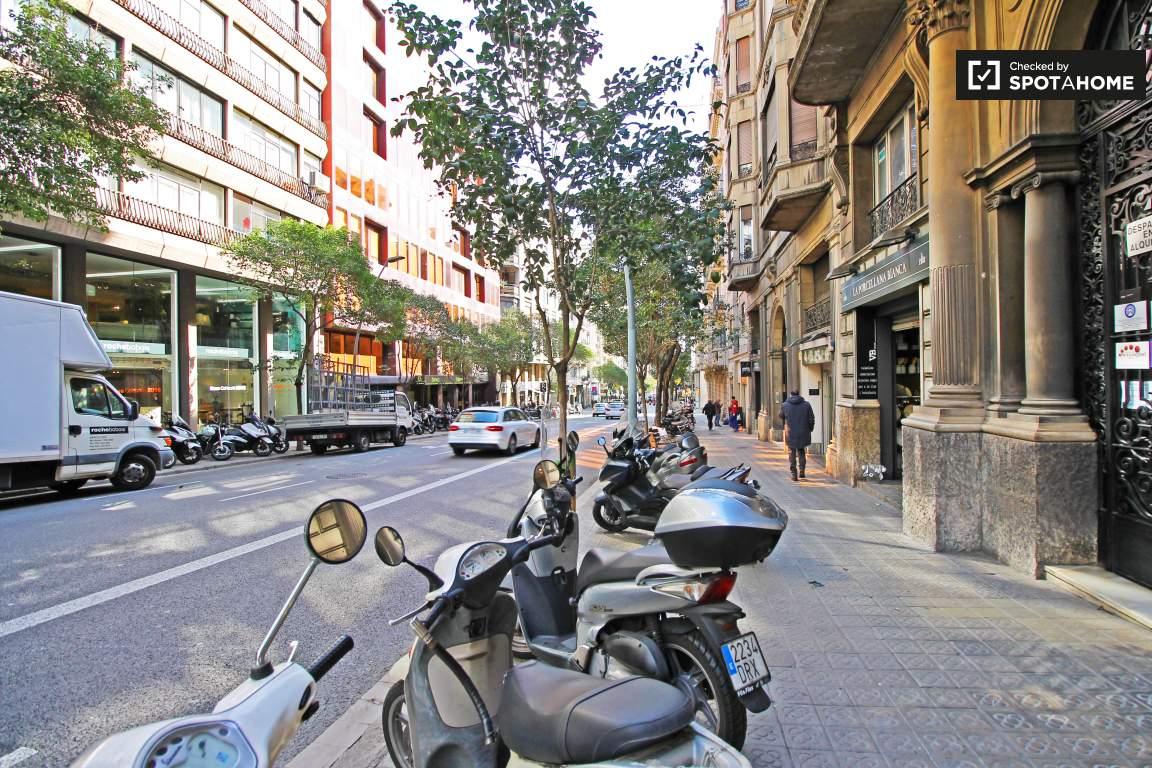 Muntaner Street