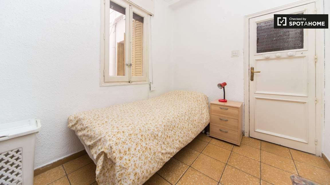Single Bedroom with desk 1