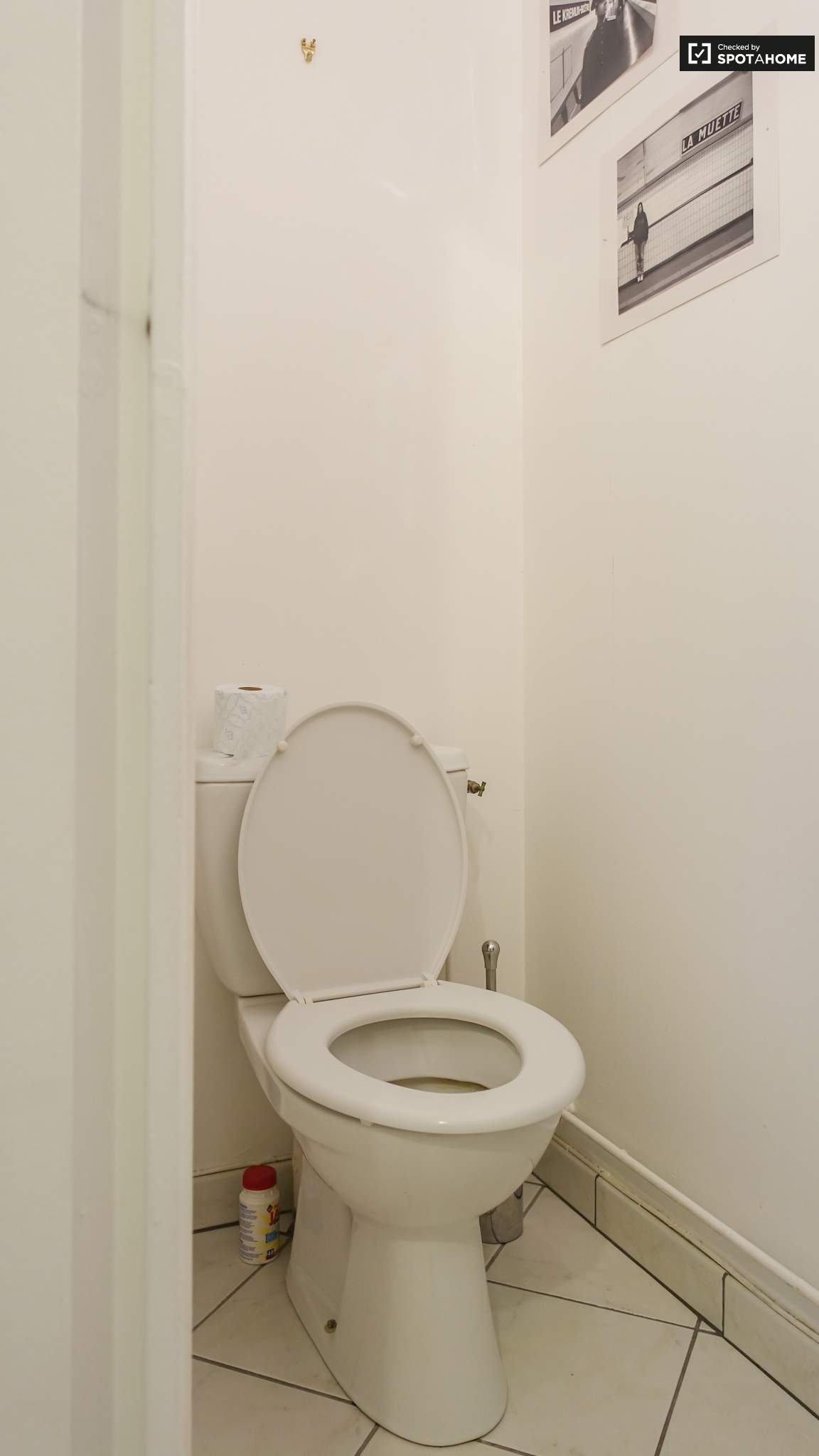 Toilet (ground floor)