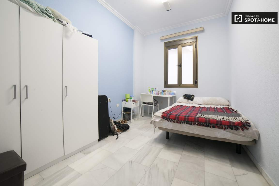 Bedroom 5 (376)