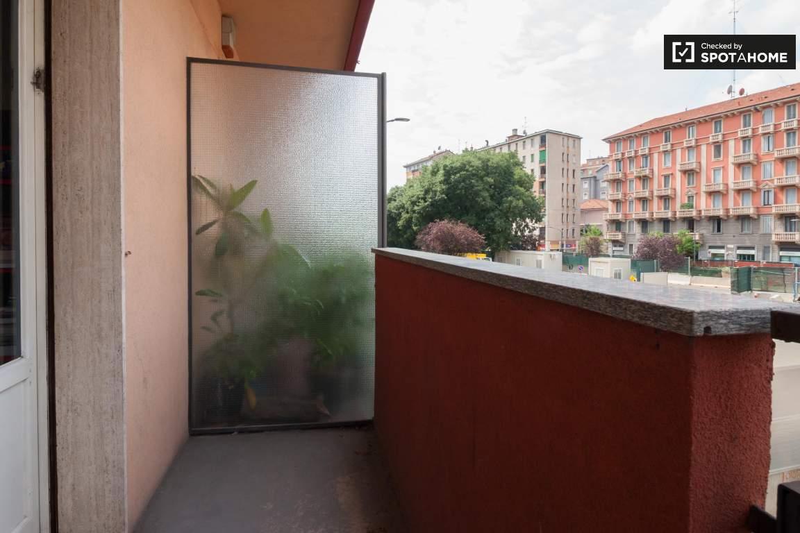 Balcony bedroom 3