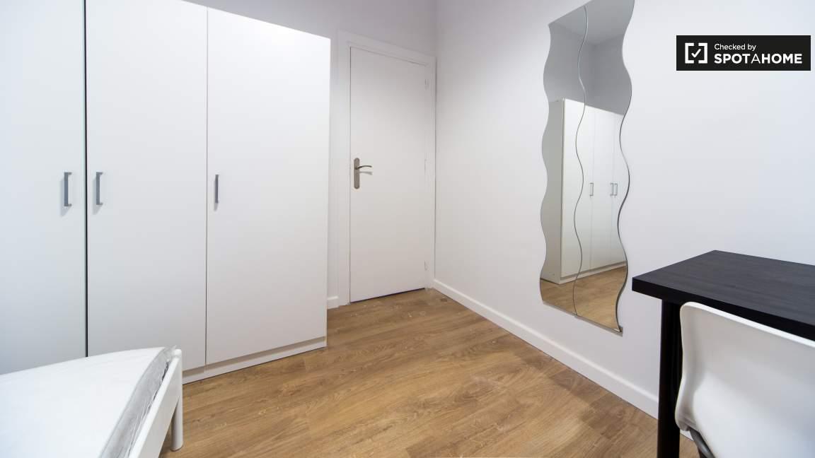 Room 3 Single 80356