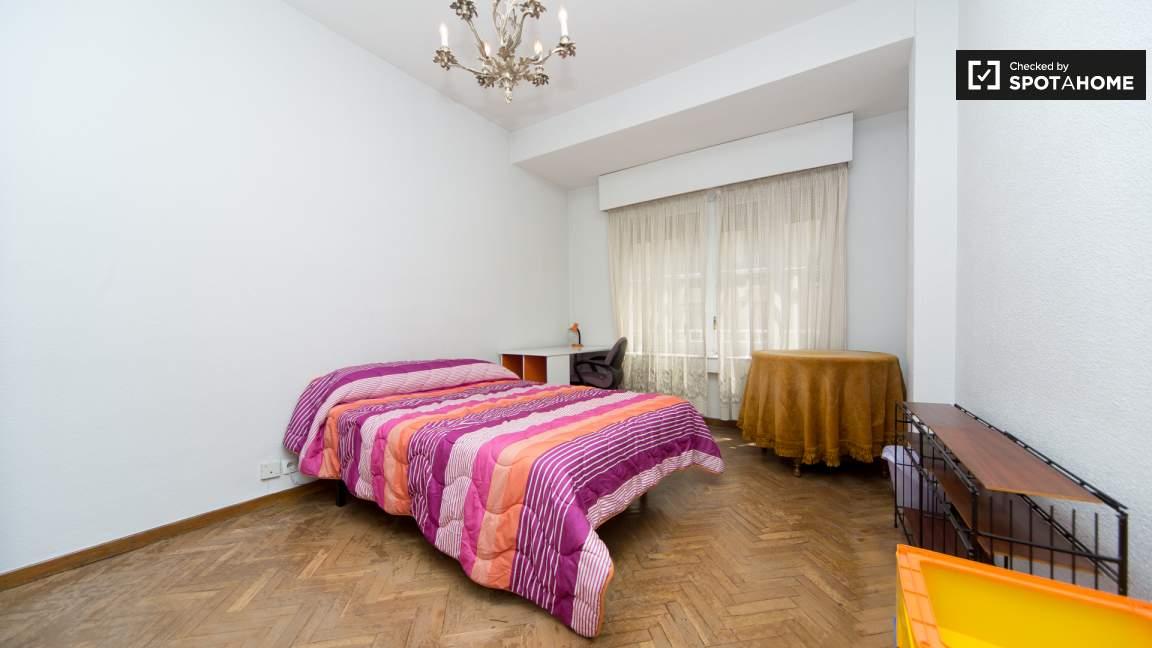 Bedroom 6 double bed