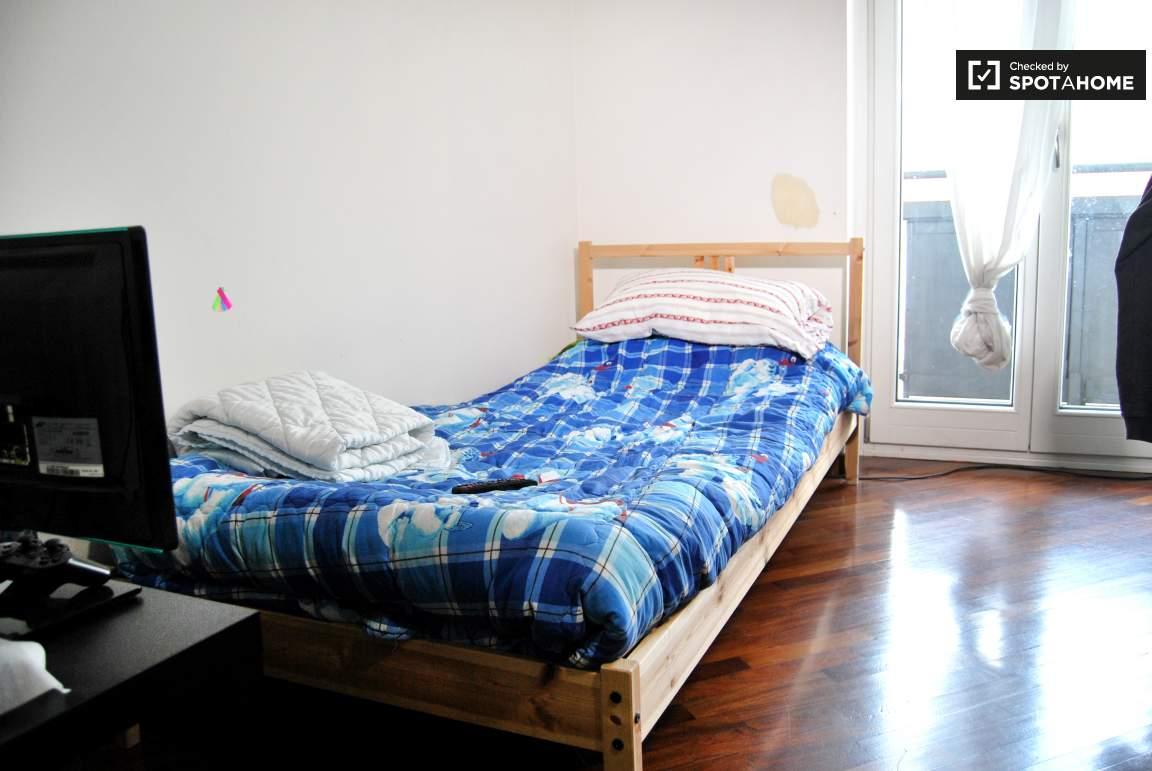 Bedroom 01 single bed