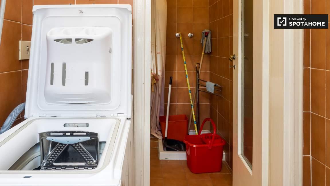Bathroom / Laundry