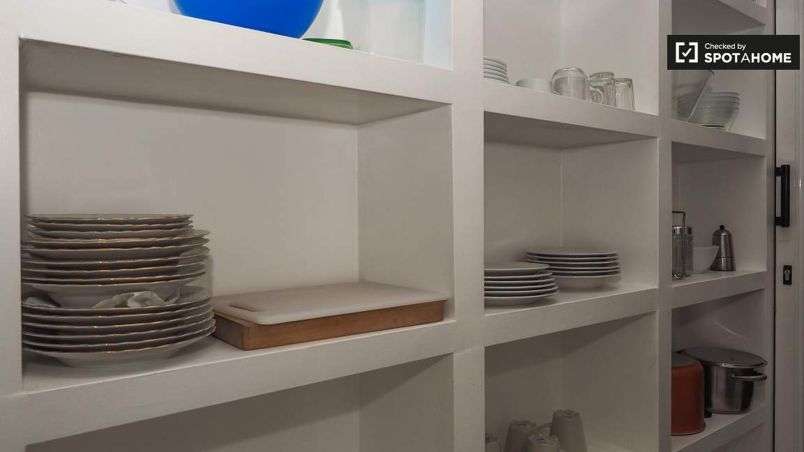 Corridor (Kitchen shelves)
