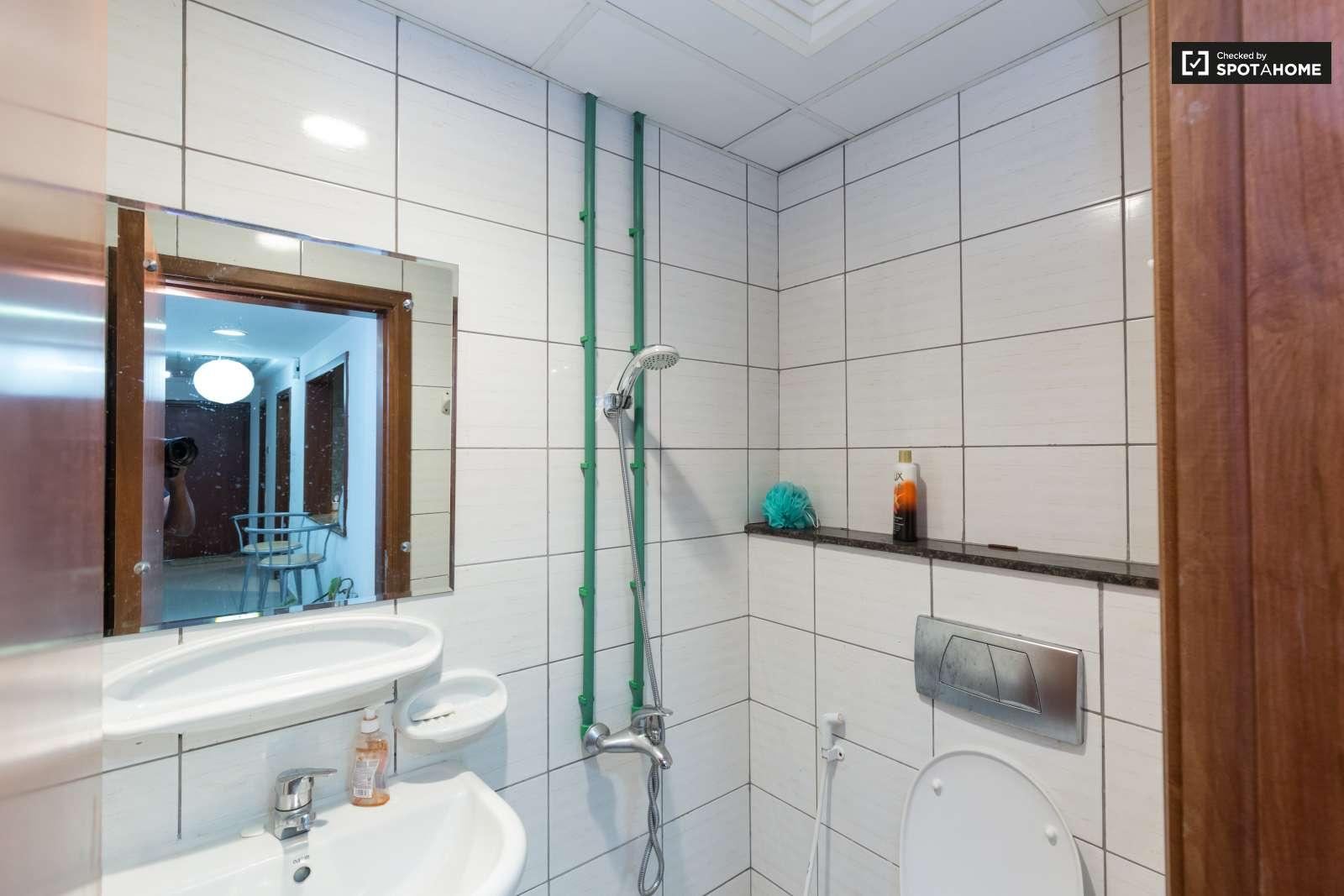 Comfortable room in shared apartment in Dubai Marina, Dubai (ref ...