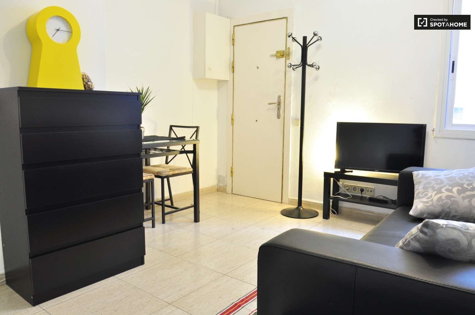 43 M2 2 Bedroom Apartment For Rent In Nou Barris Barcelona Ref  # Muebles Nou Barris