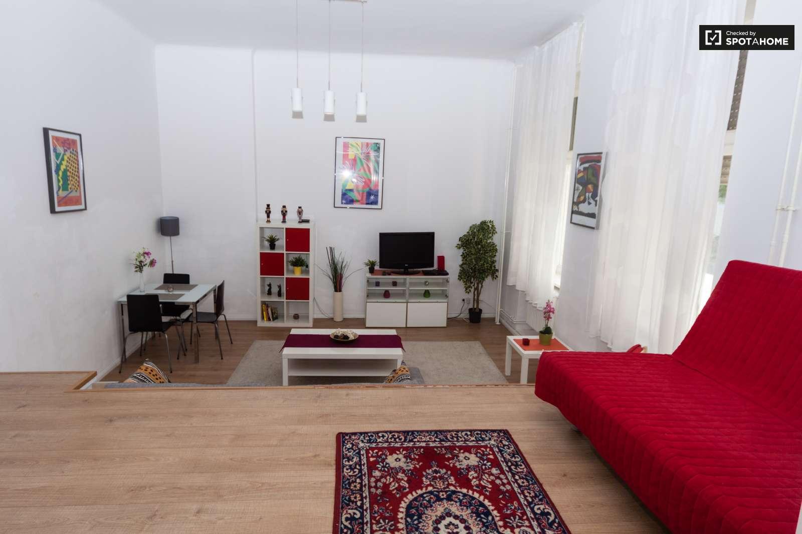 Amazing 1-bedroom apartment in Friedrichshain-Kreuzberg ...