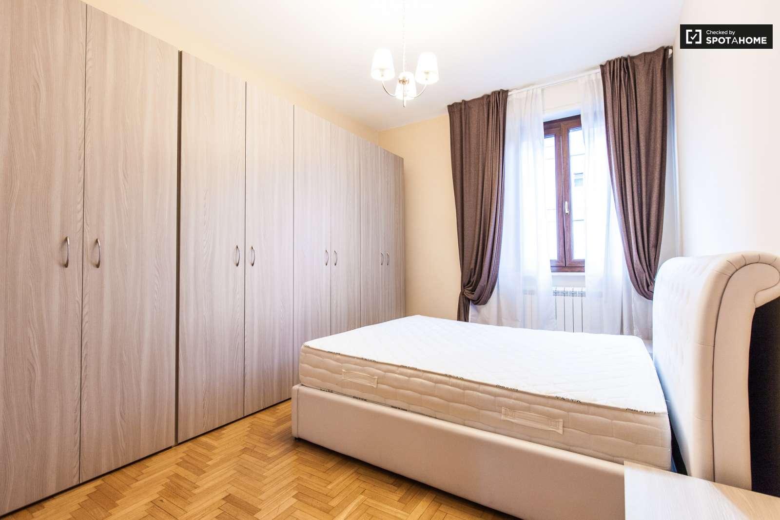 Spaziose stanze in affitto in un appartamento con 3 camere for Appartamento con 3 camere da letto