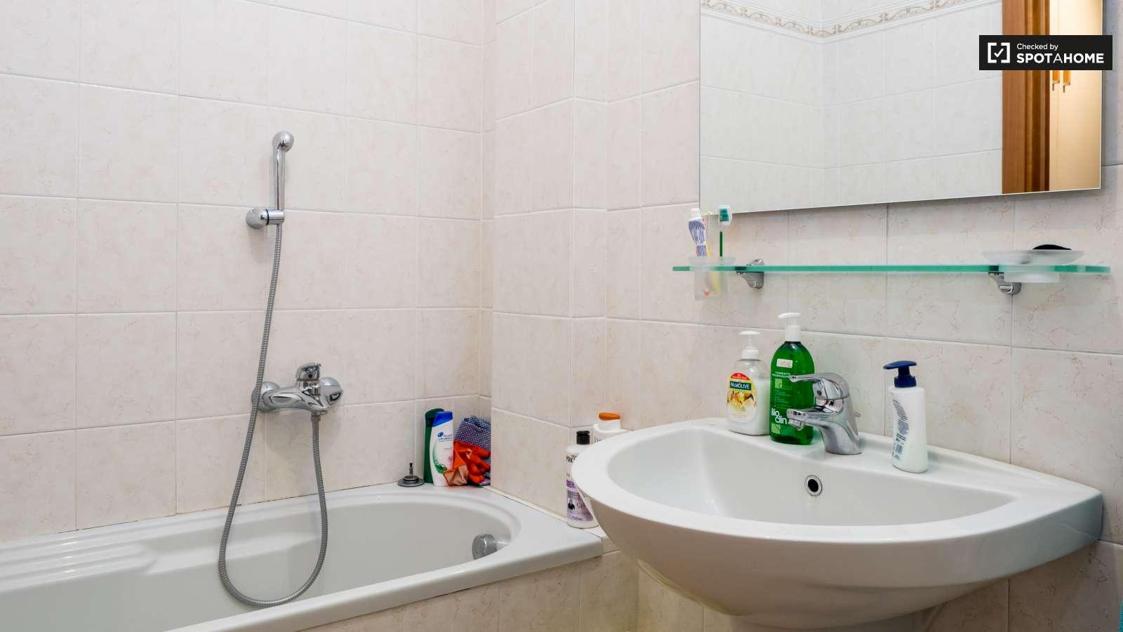 Appartamento 3 Camere Da Letto Milano : Stanze in affitto un appartamento con camere da letto