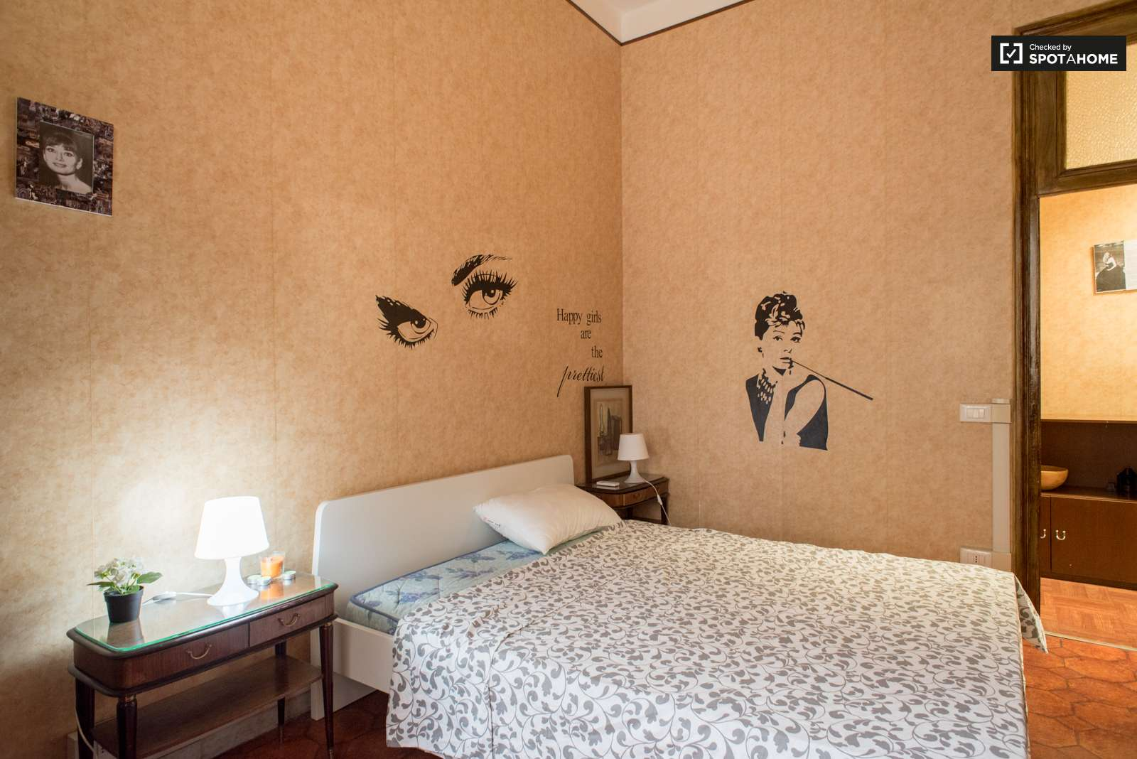 Orange Bedroom Wallpaper Rooms For Rent In 3 Bedroom Apartment In Rome City Center Spotahome