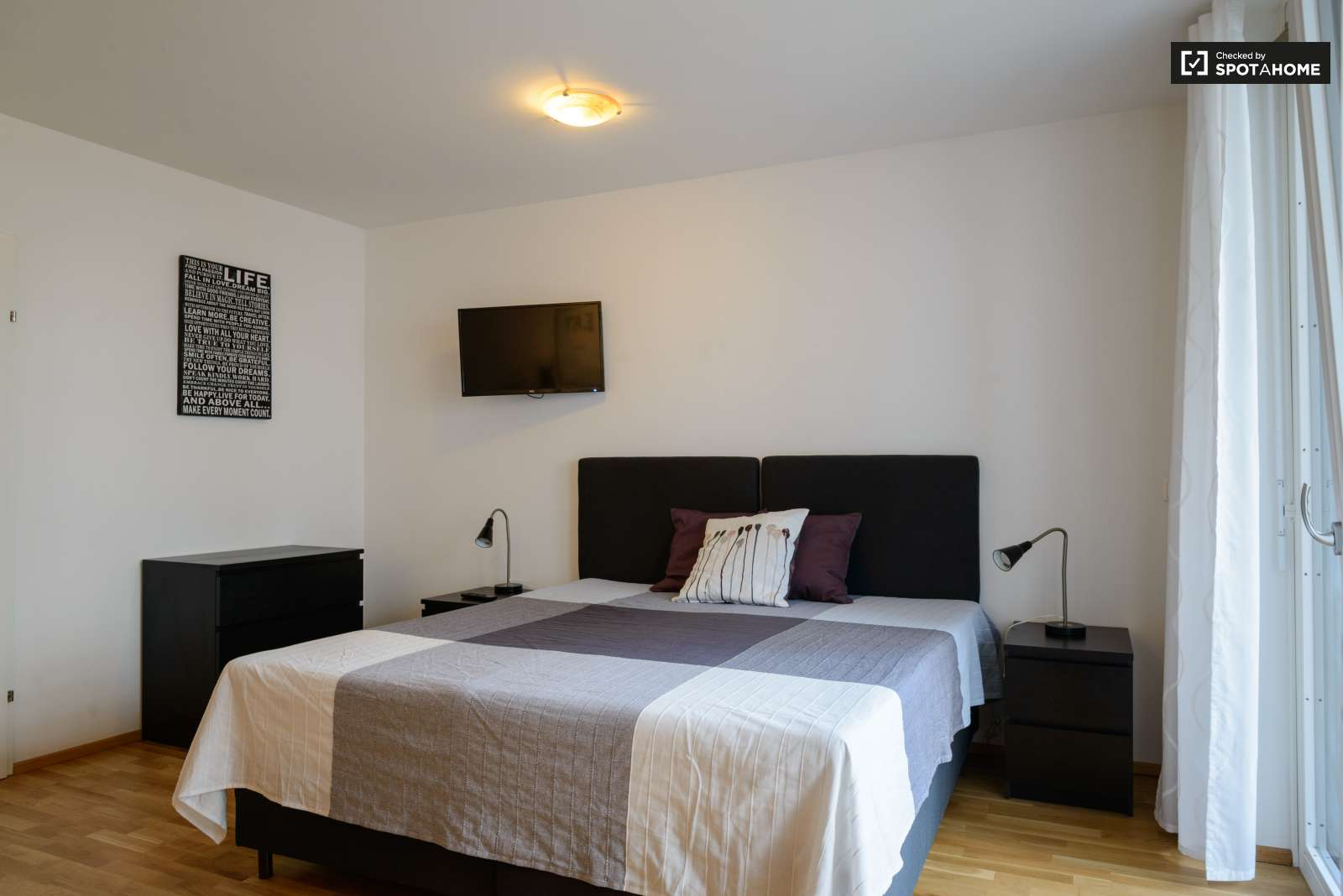 Bedroom Apartment For Rent In The District Vienna Spotahome