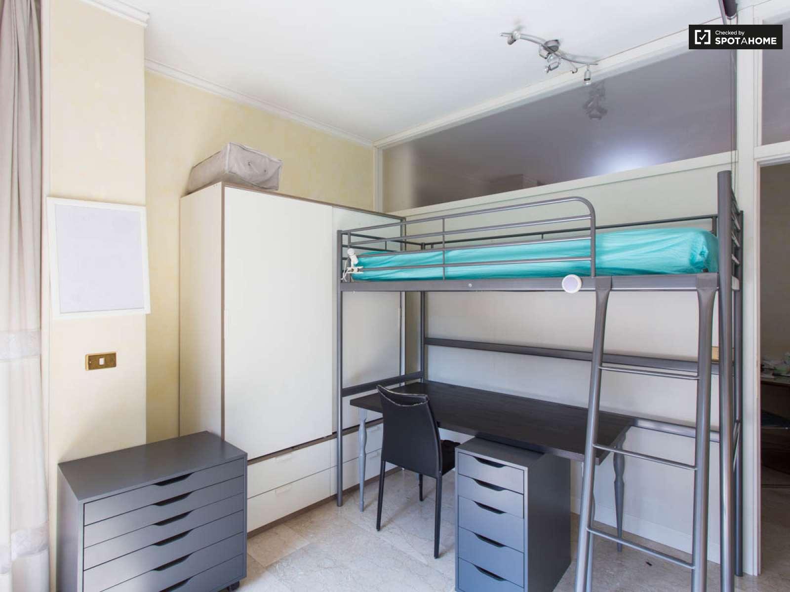 Camere Da Letto Nava.Camere In Affitto In Appartamento Con 3 Camere Da Letto In Isola