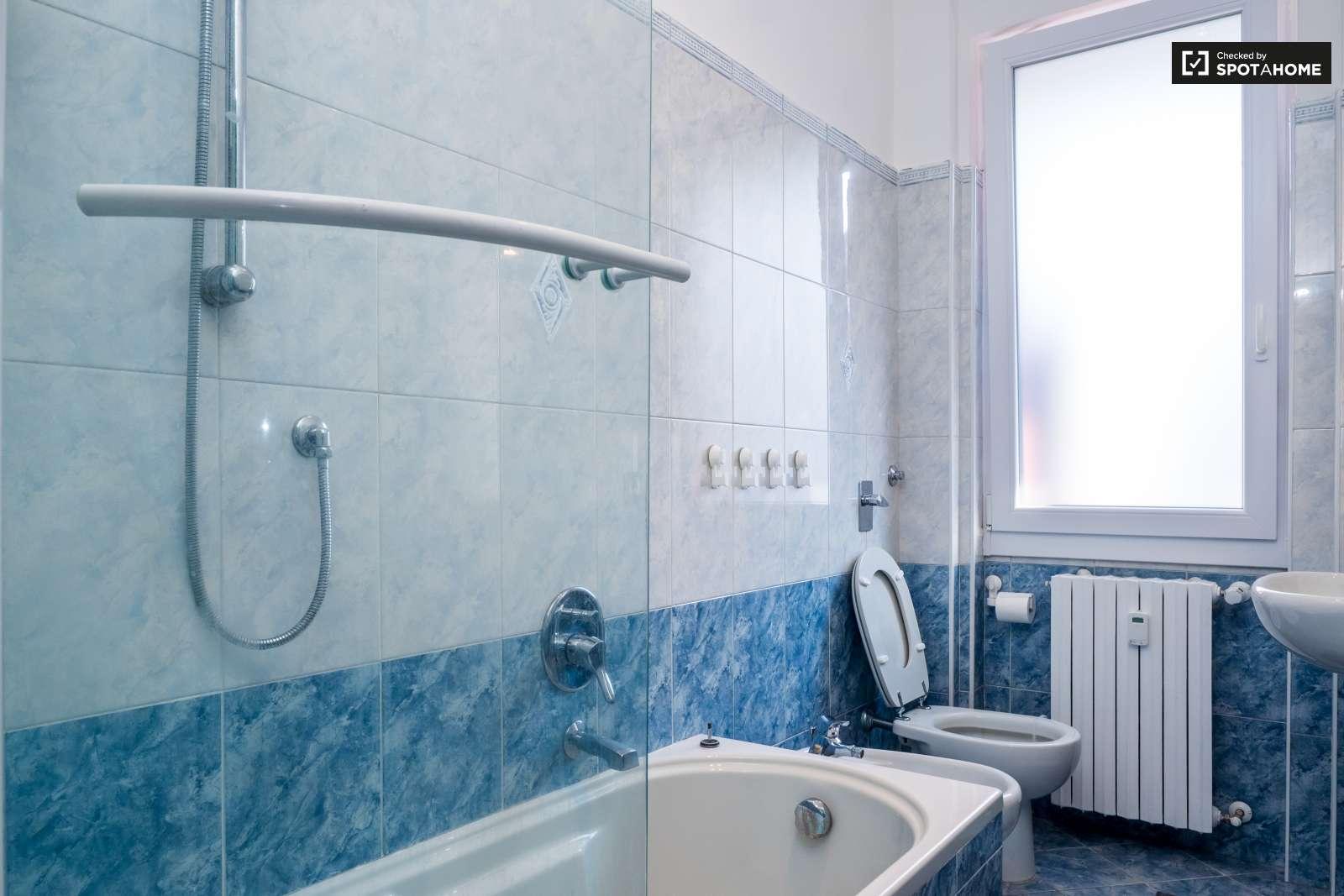 Camere in affitto in appartamento condiviso in vialba for 3 camere da letto 3 piani del bagno