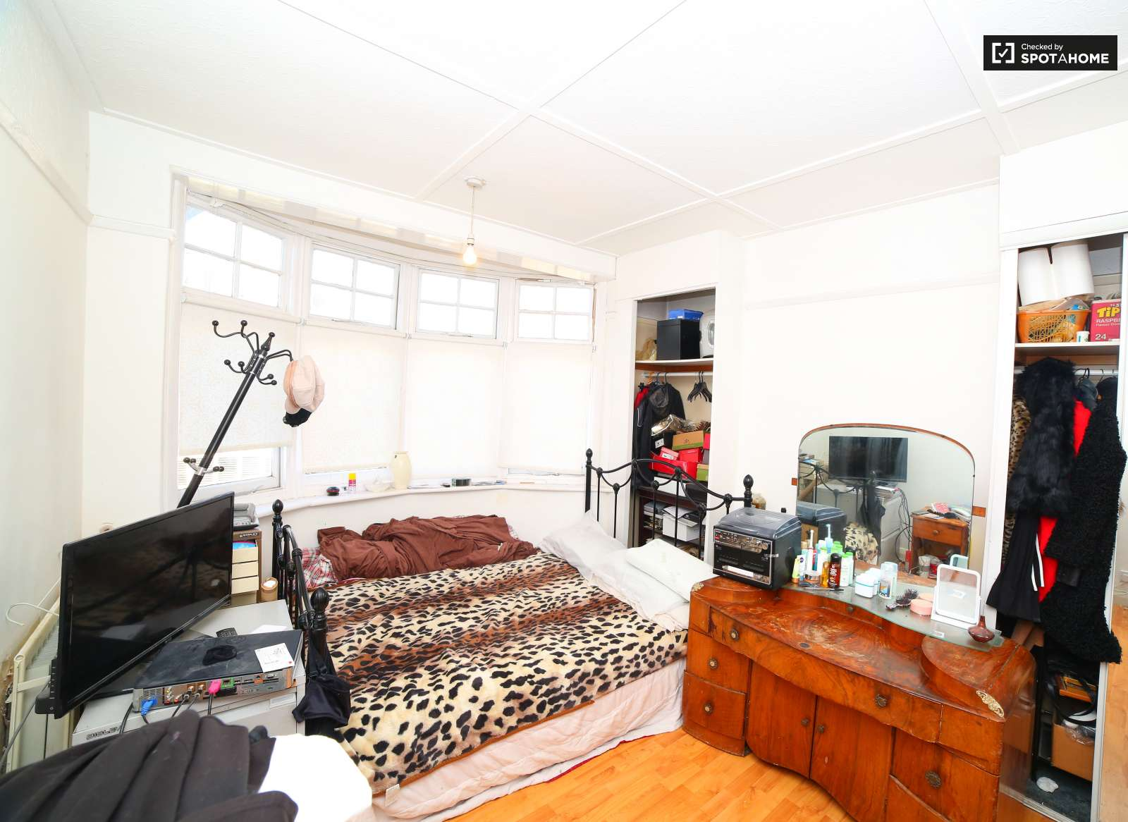 Shared room to rent in 4-bedroom house with garden in Brixton