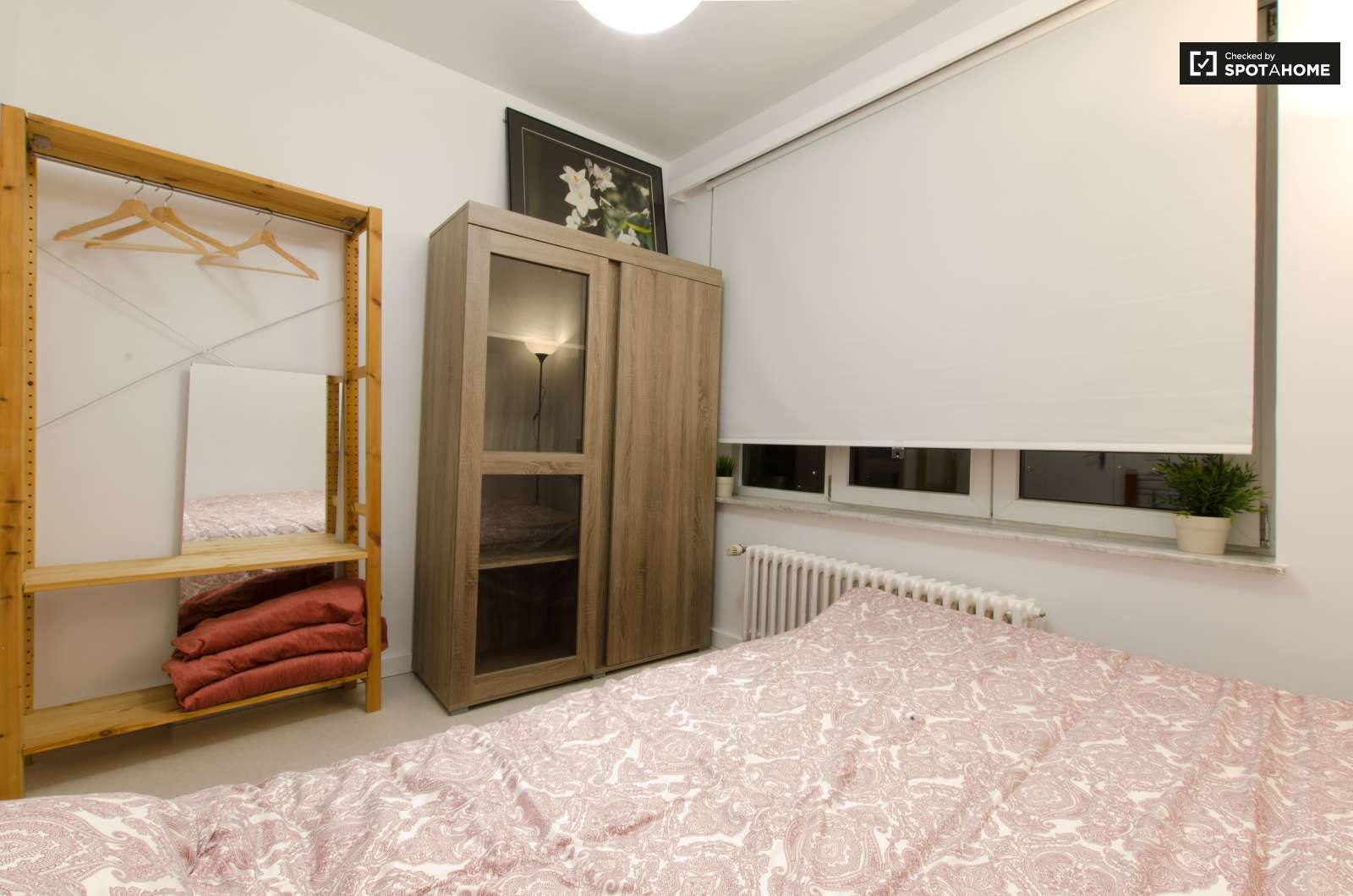 Grande chambre dans un appartement de 4 chambres jette for Appartement a louer a jette 3 chambre