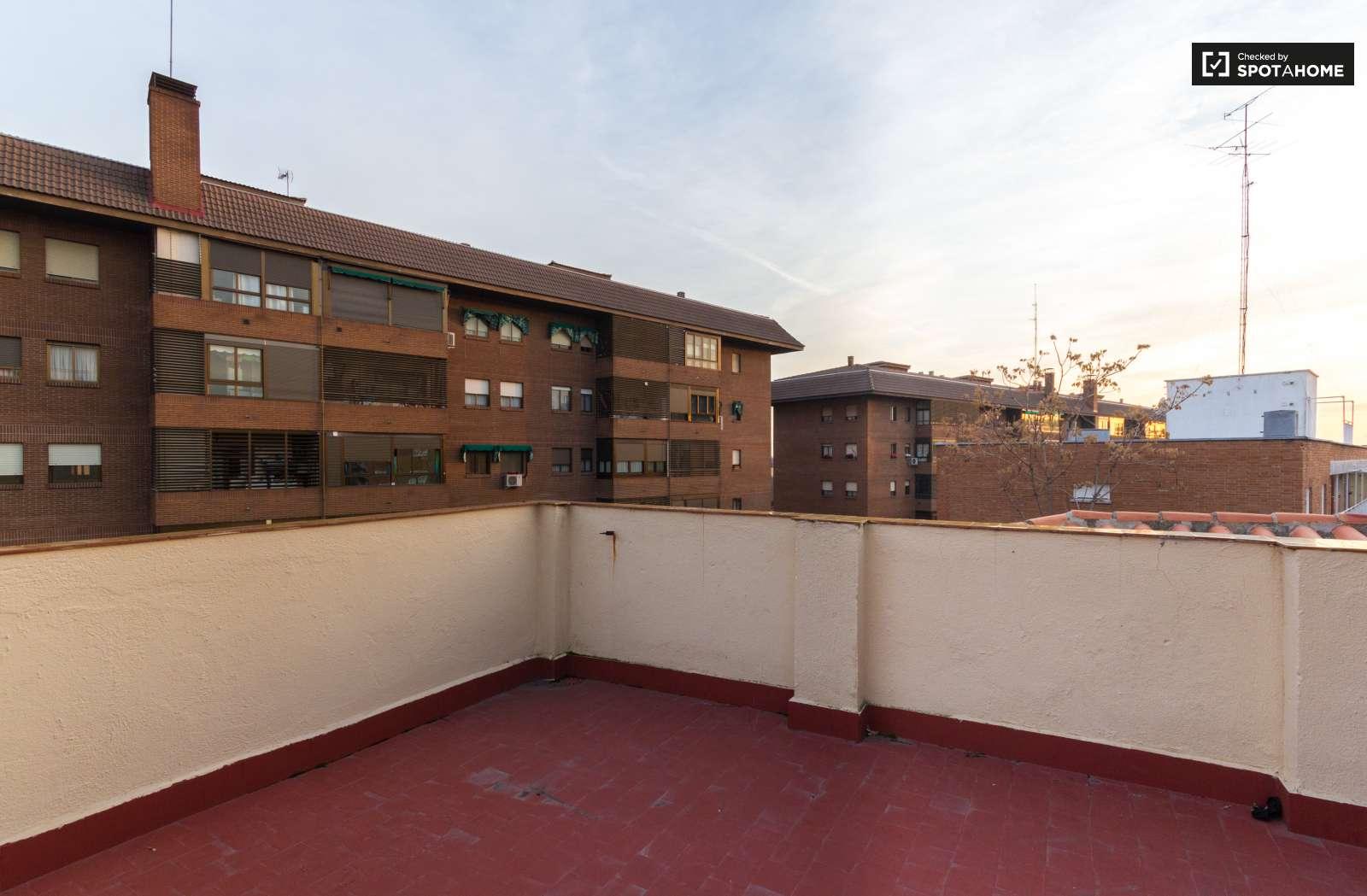 3 habitaciones en casa con jard n ciudad universitaria for Barrio ciudad jardin madrid