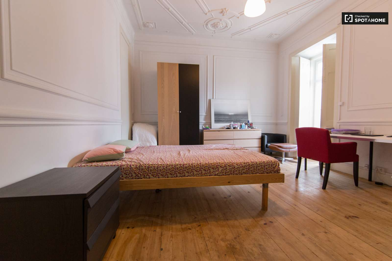 Cama individual en habitación de 4 personas