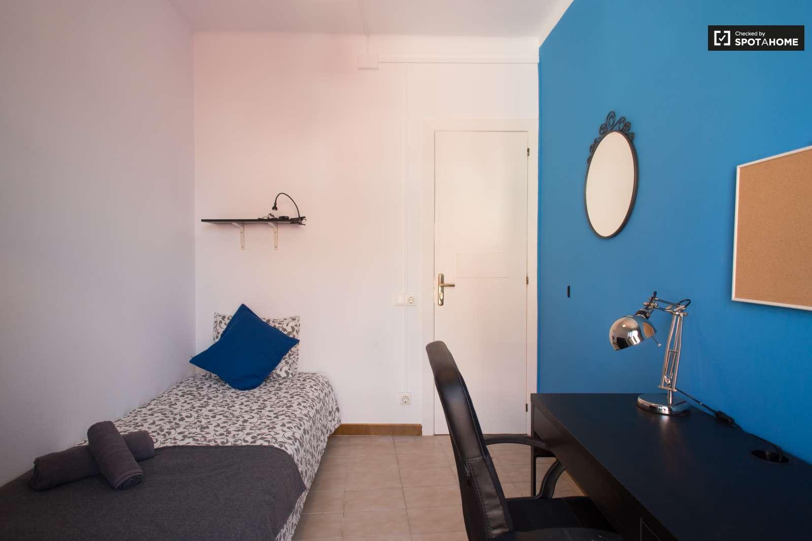 Luminous Room In 4 Bedroom Apartment In Poble Sec Barcelona Ref  # Muebles Poble Sec