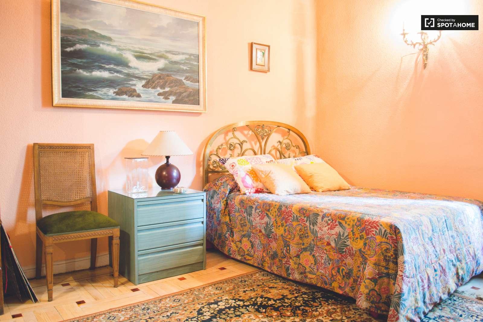 C moda habitaci n en piso de 3 habitaciones en salamanca - Comoda habitacion ...