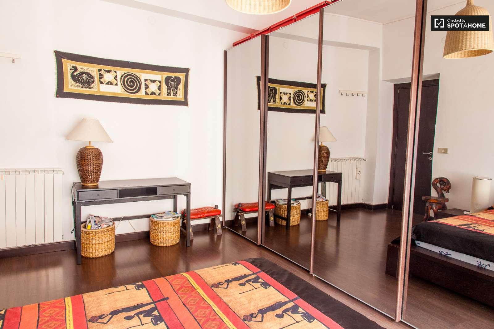 Spazioso appartamento con 2 camere da letto in affitto a for Appartamento con 2 camere da letto