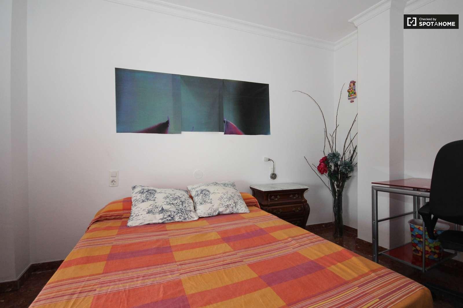 Maravillosa habitación en piso en San Francisco Javier, Granada ...