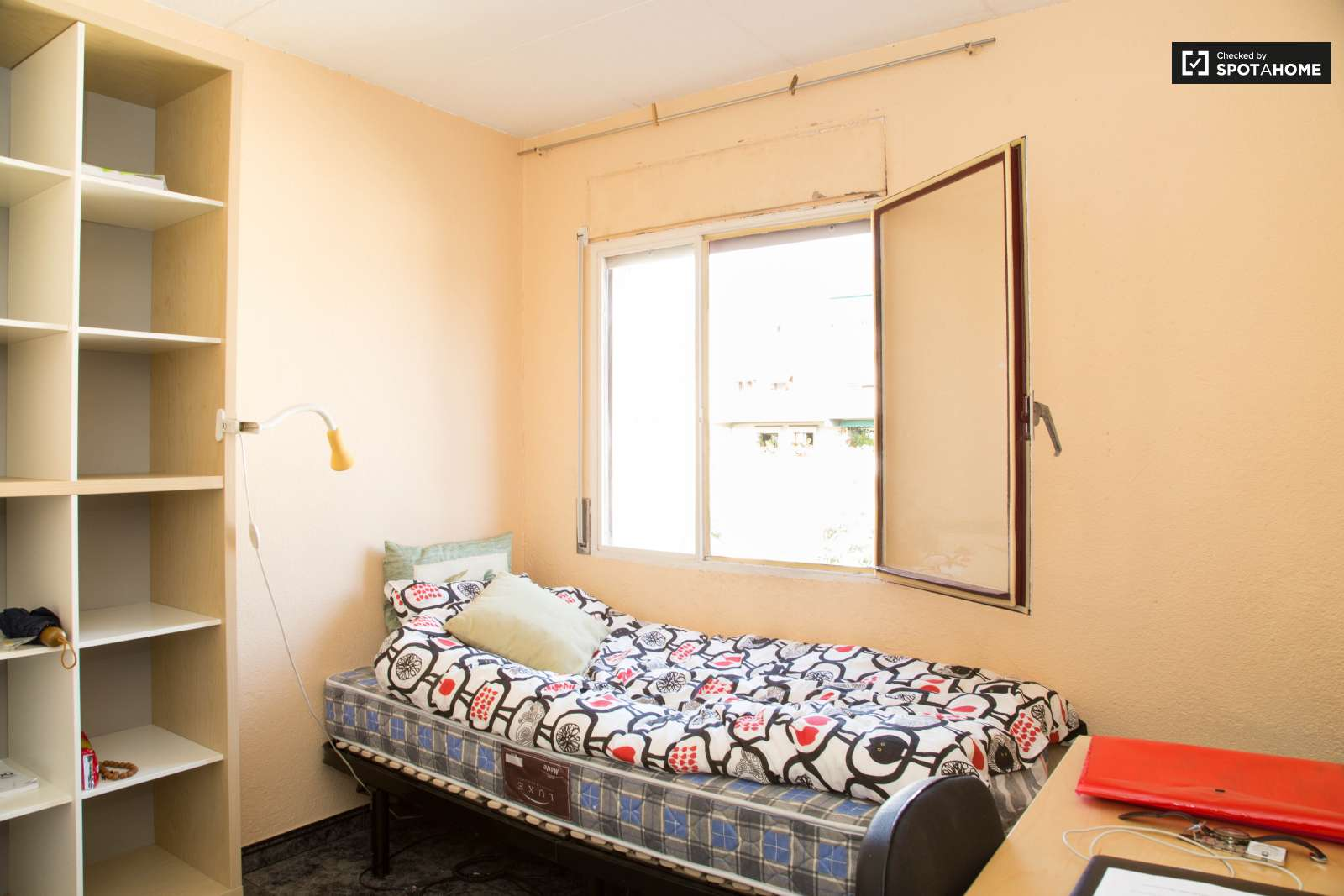 Large Room In Shared Apartment In Nou Barris Barcelona Ref  # Muebles Nou Barris