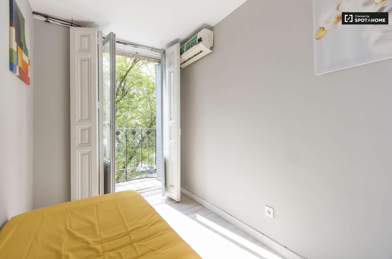 Cozy room in 5-bedroom apartment in Rios Rosas, Madrid (ref: 232551 ...