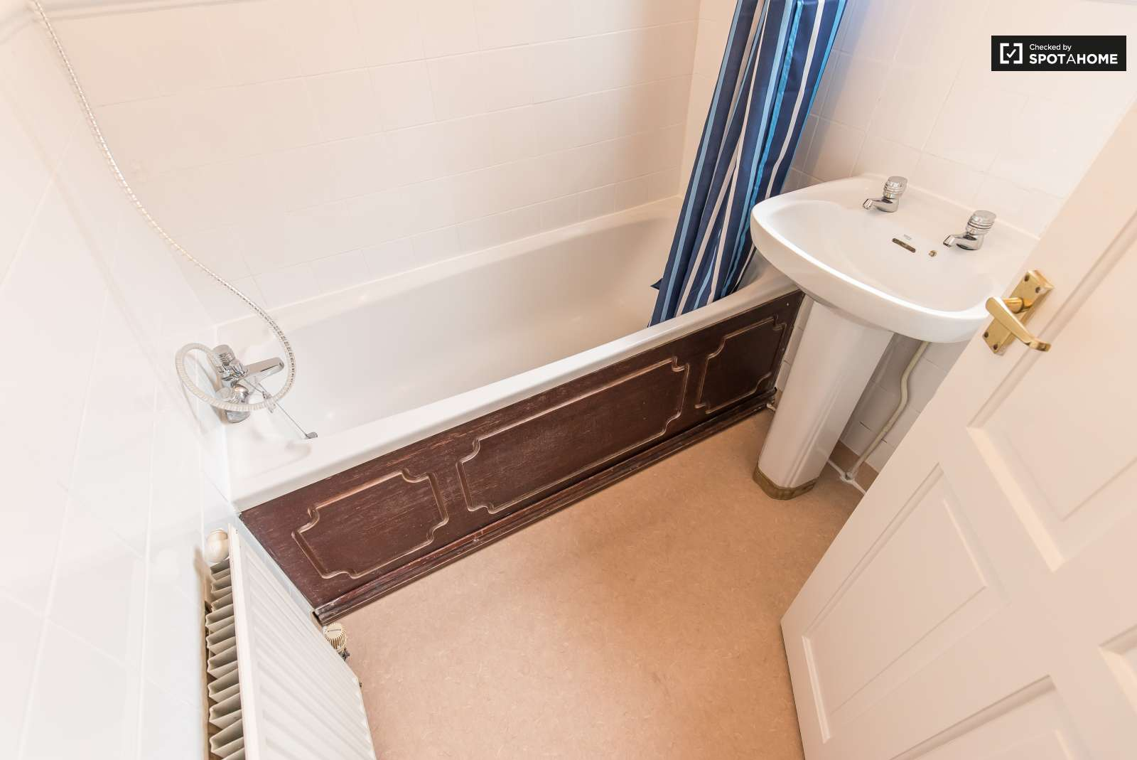Swell Spacious 1 Bedroom Flat To Rent In Lewisham In South East Home Interior And Landscaping Fragforummapetitesourisinfo