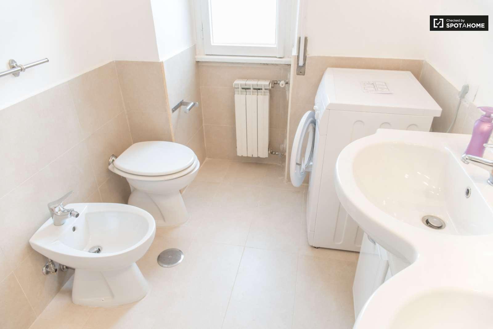 Stanza Ampia In Un Appartamento Portuense Roma Ref