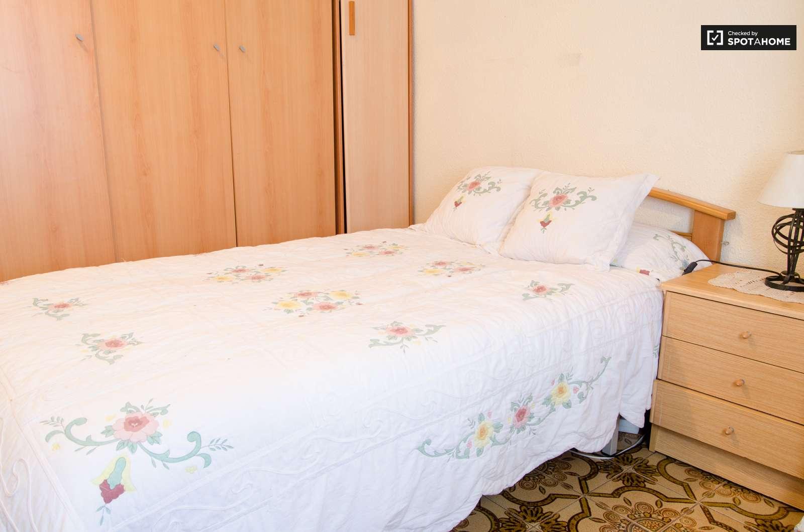 Elegante habitaci n en alquiler para estudiantes femeninas for Cuartos en renta para estudiantes