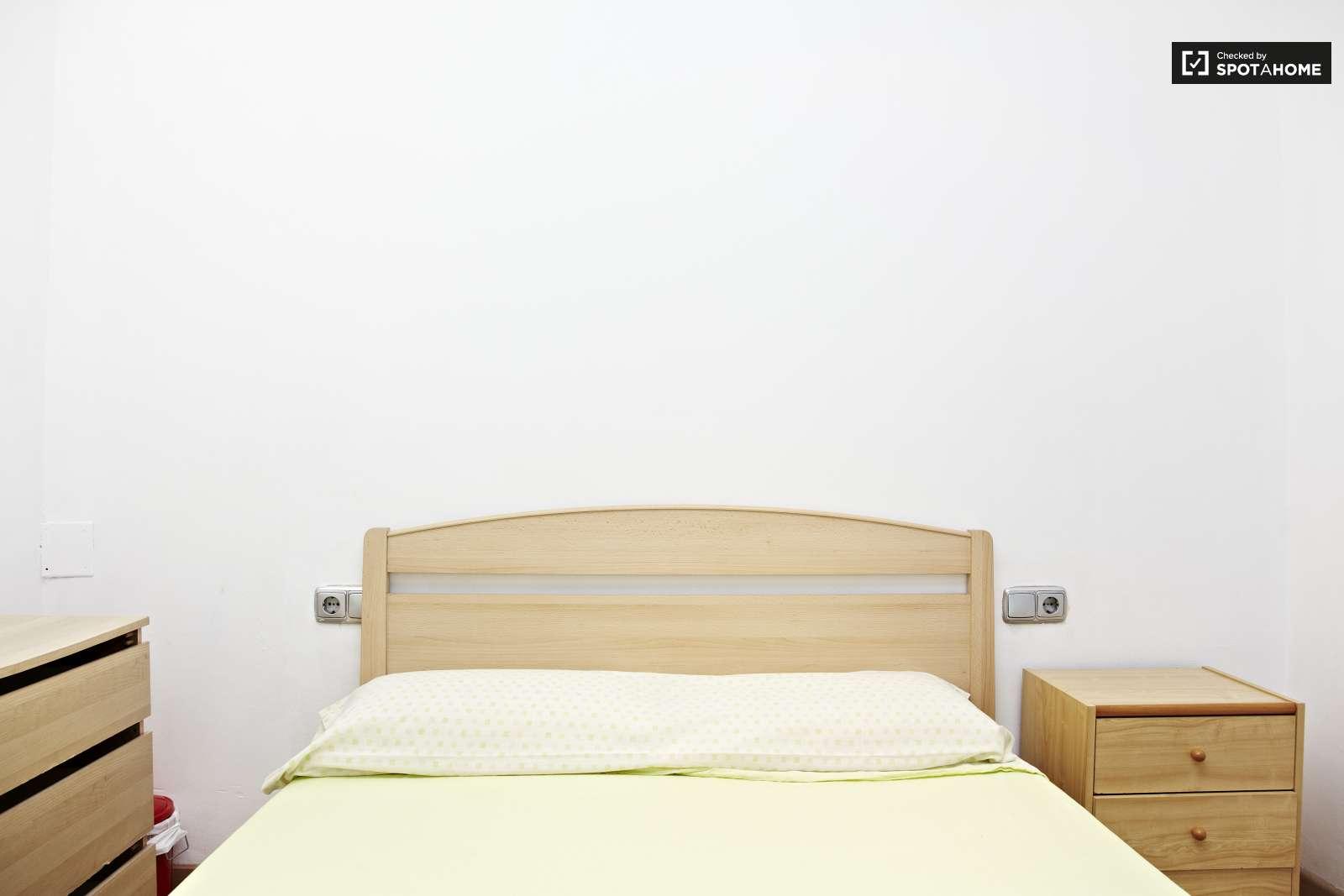 Habitaciones en alquiler en un luminoso piso en eixample for Habitaciones en alquiler