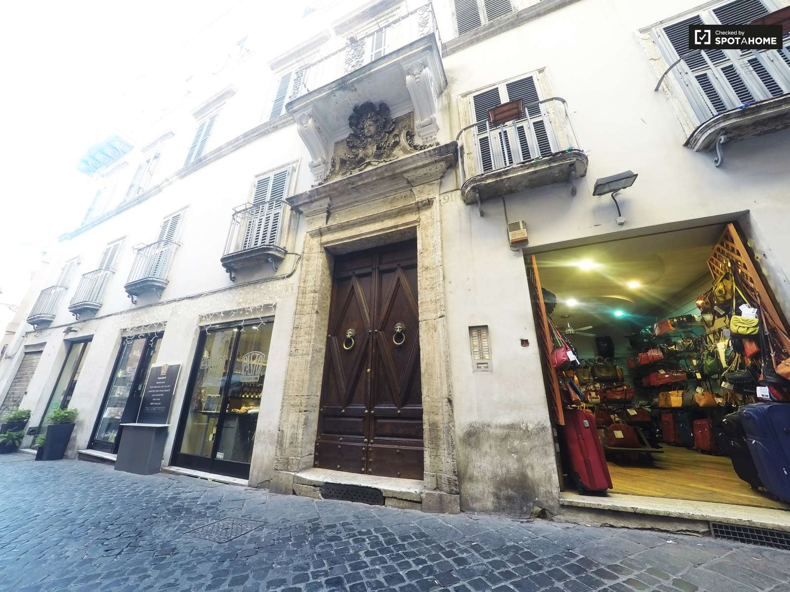 Exterior one bedroom apartment for rent in the historical ...