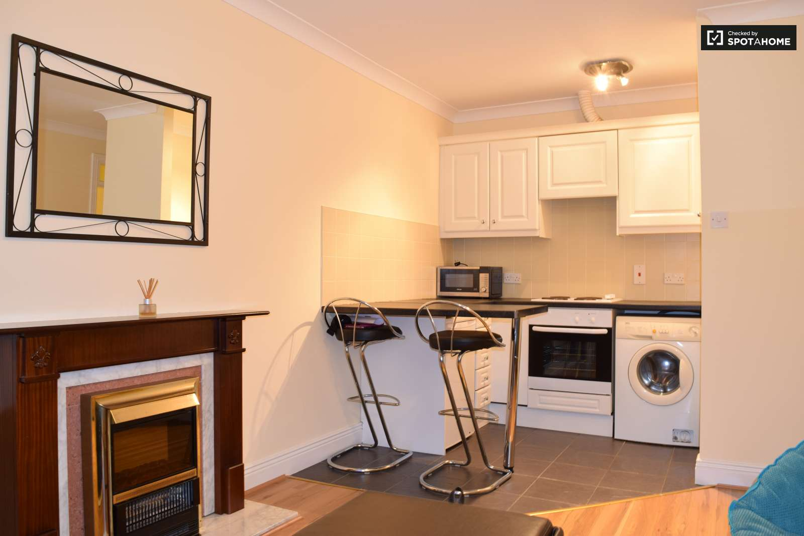 Living room   Kitchen. Central 2 Bedroom Apartment Near Trinity College  Dublin  ref