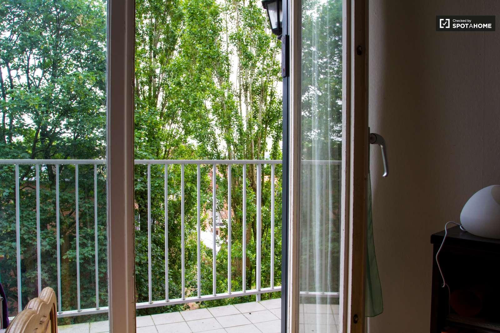 Chambres louer dans appartement de 3 chambres uccle - Appartement a louer a bruxelles 3 chambres ...