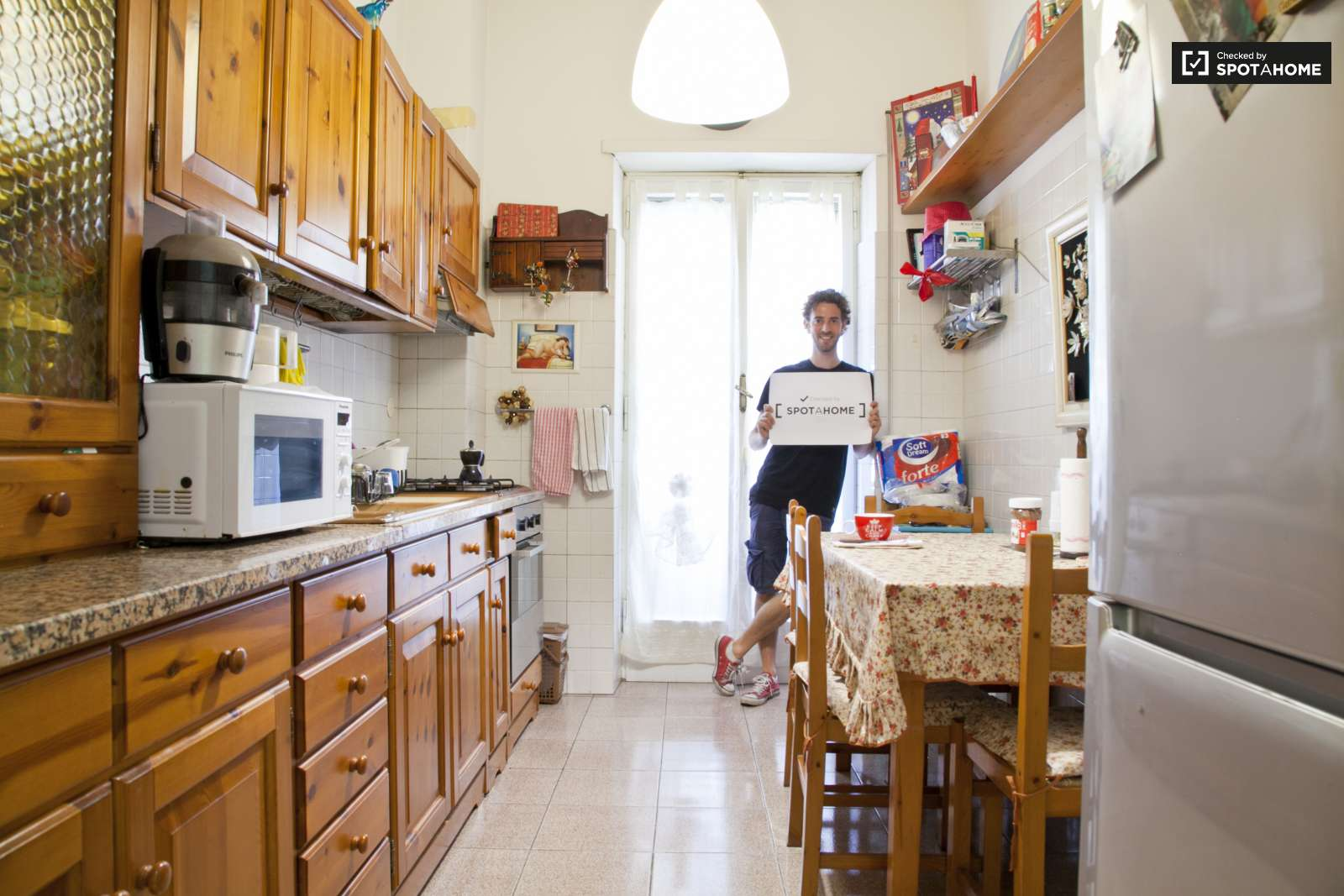 Stanza in affitto in un appartamento con 3 camere da letto a san giovanni roma ref 114543 - Affitto appartamento bologna 3 camere da letto ...