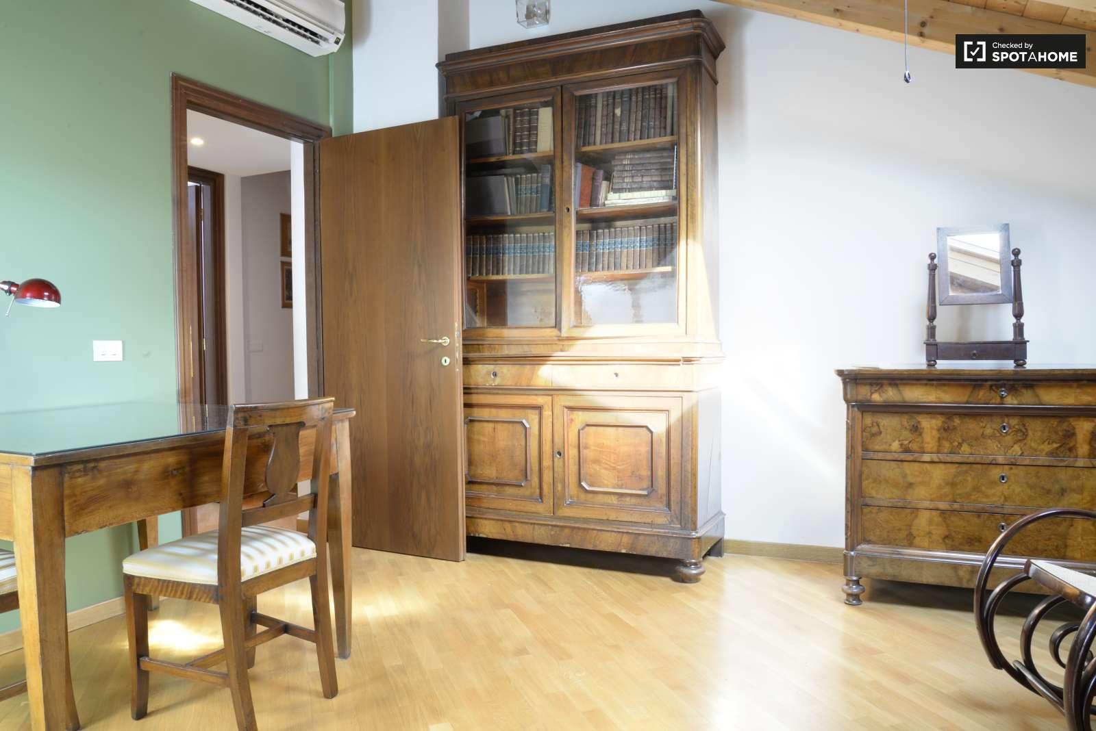 Stanze con aria condizionata in un appartamento con 3 for Appartamento con 3 camere da letto
