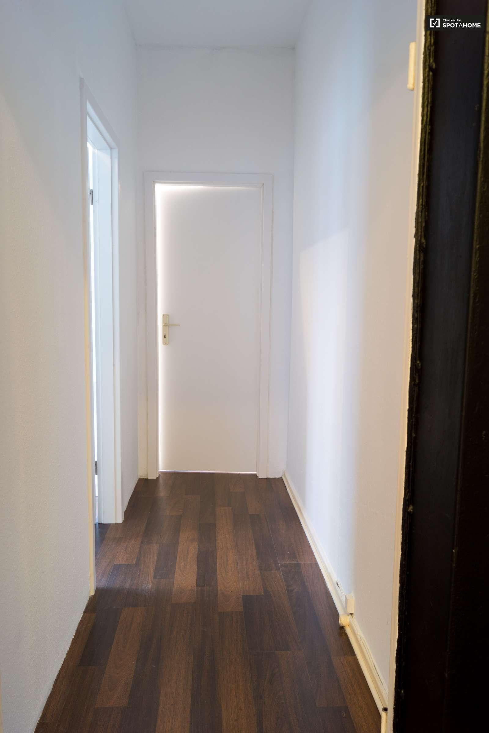 Zimmer in 4-Zimmer-Wohnung, Tempelhof- Schöneberg, Berlin (ref ...