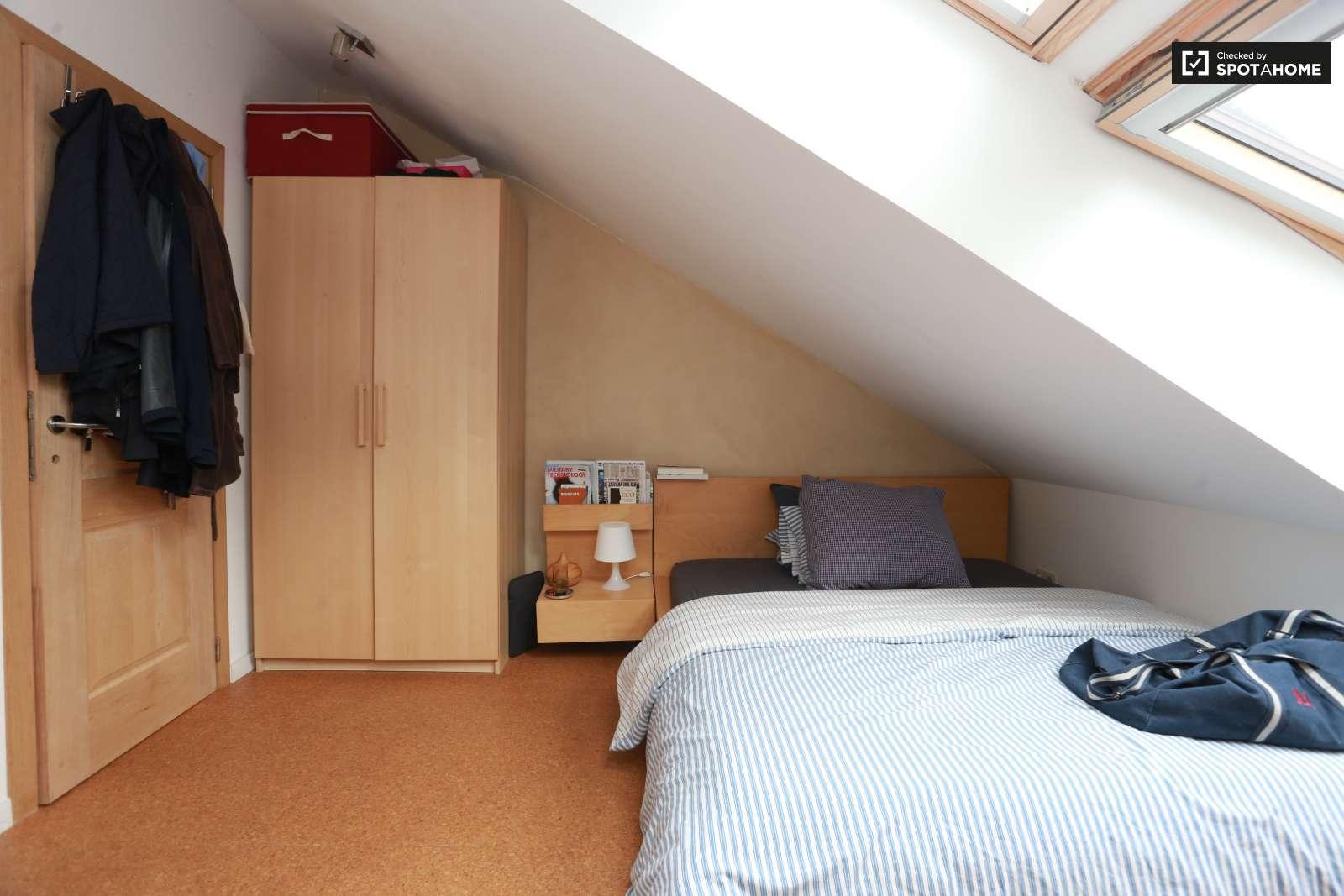 Chambres louer dans un duplex etterbeek bruxelles - Appartement a louer a bruxelles 3 chambres ...