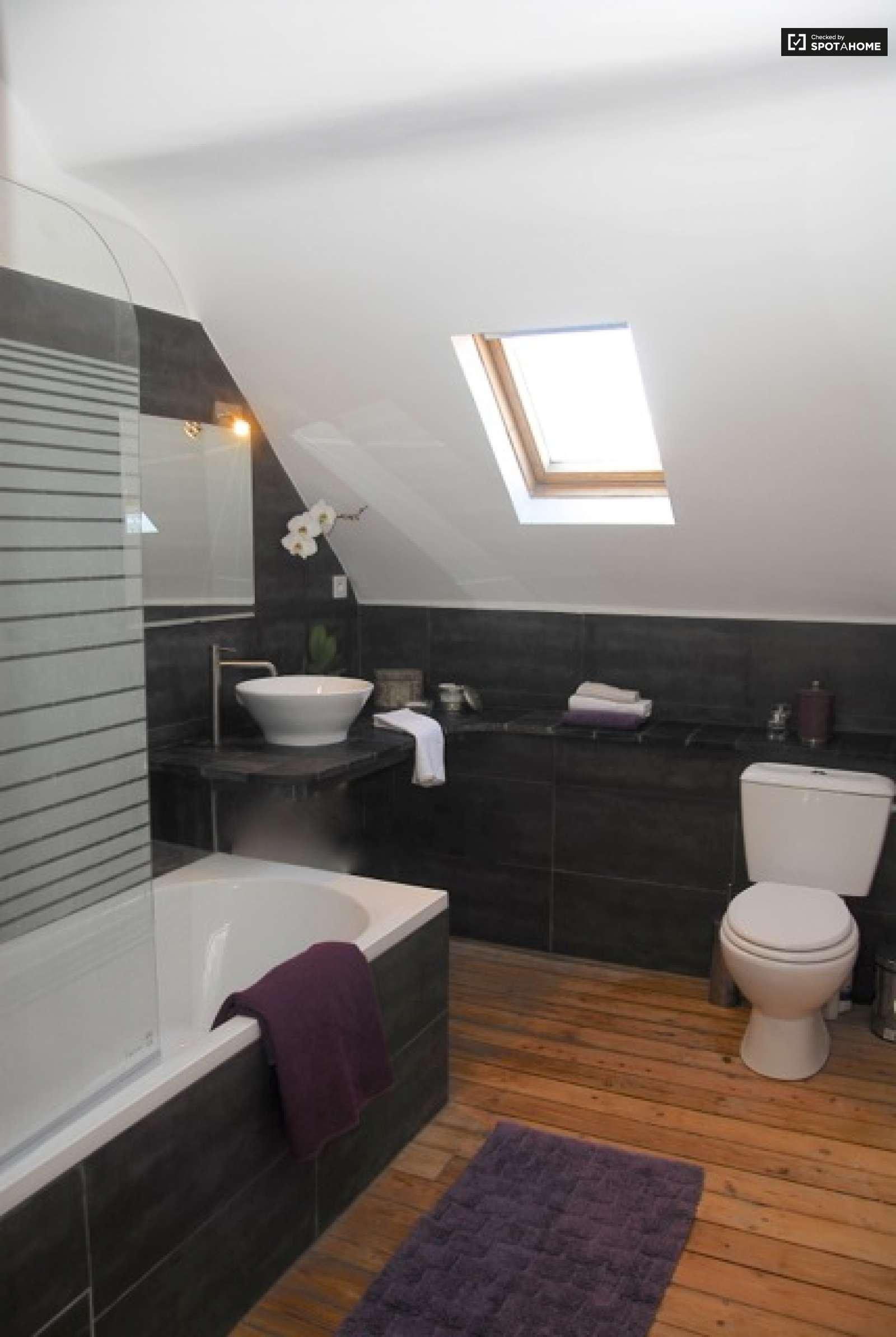 chambre quip e dans un appartement schaerbeek bruxelles ref 99217 spotahome. Black Bedroom Furniture Sets. Home Design Ideas