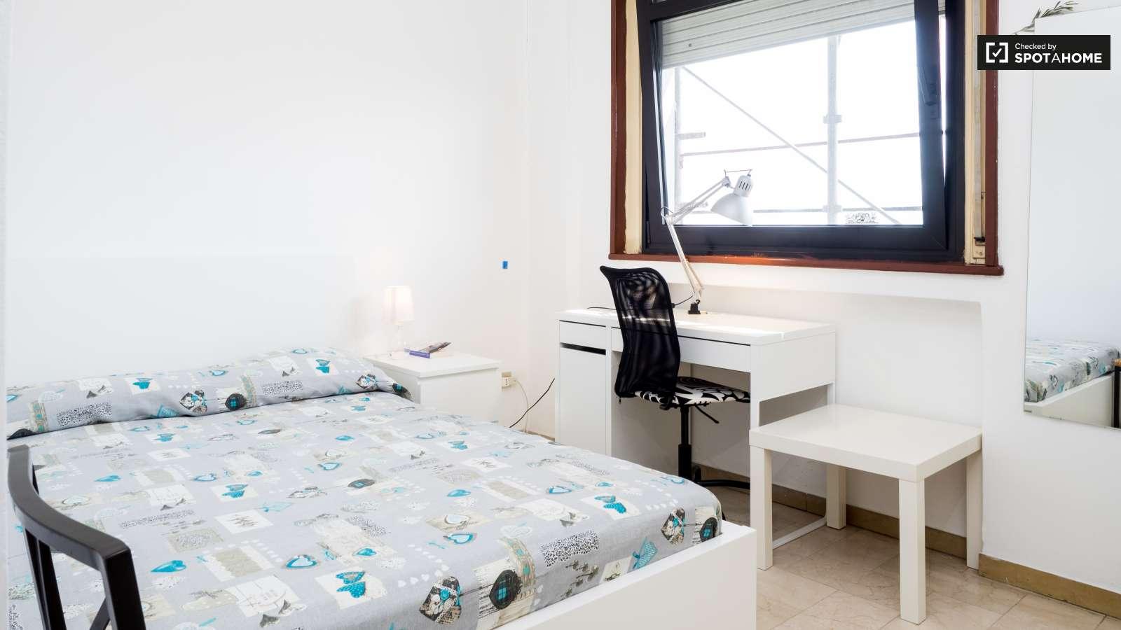 Double Room In Apartment In Porta Romana Milan Ref 113581 Spotahome