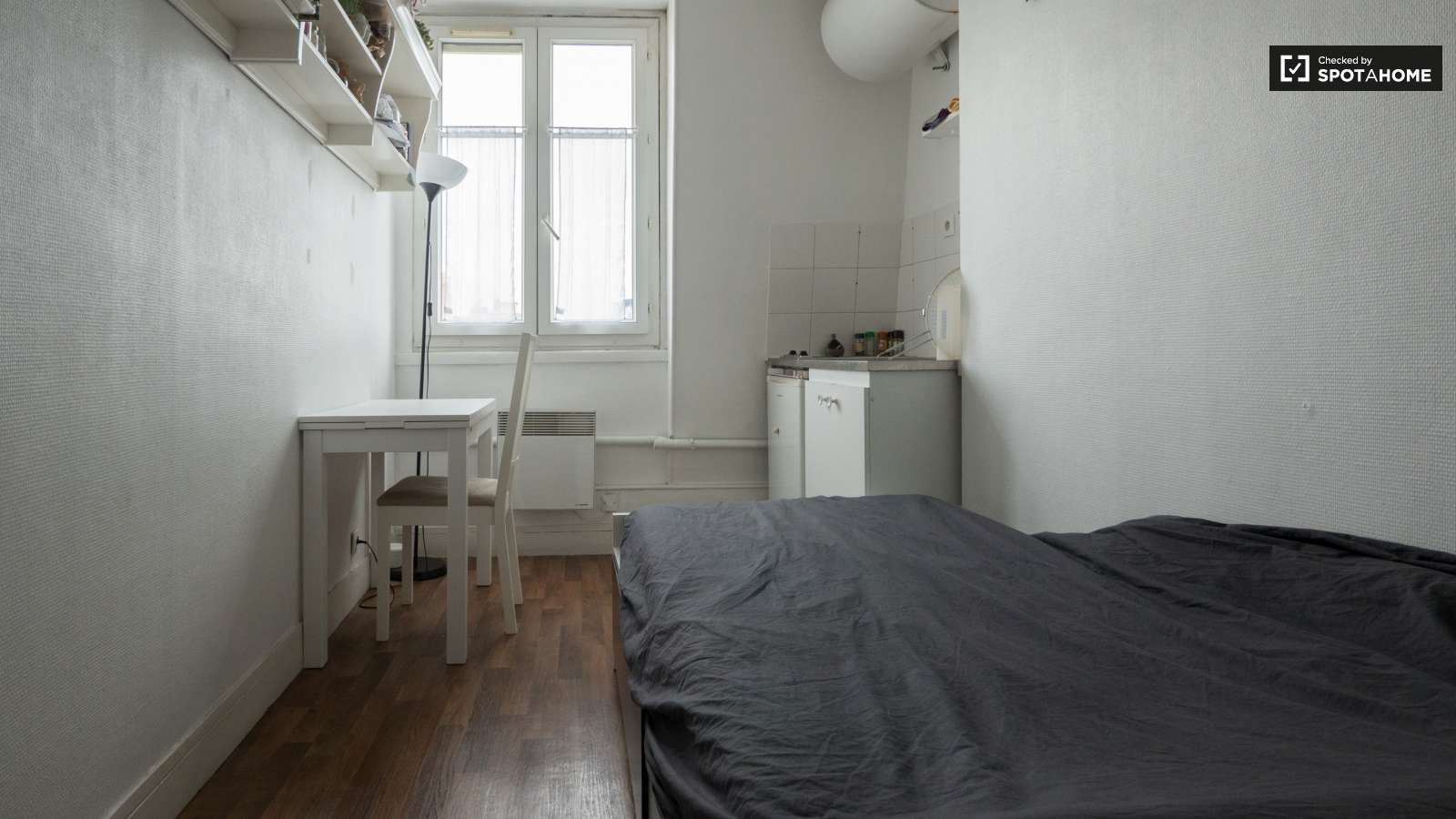 Bright Studio Apartment For Rent In Vaugirard Paris Spotahome