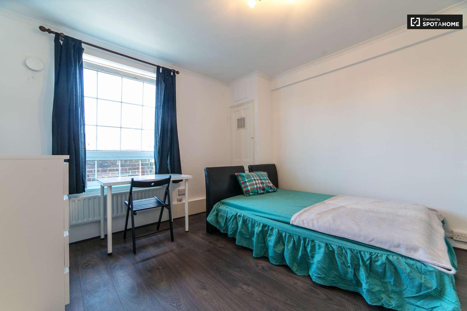 Rooms to rent in 4-bedroom flatshare in Tower Hamlets London (ref ...